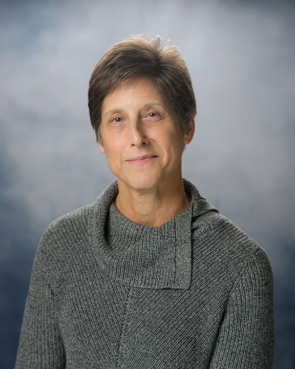 Photo of Linda Flynn.
